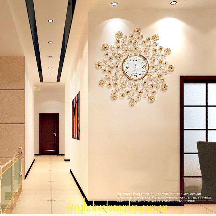 Đồng hồ treo tường nghệ thuật kiểu dáng sang trọng DHD015